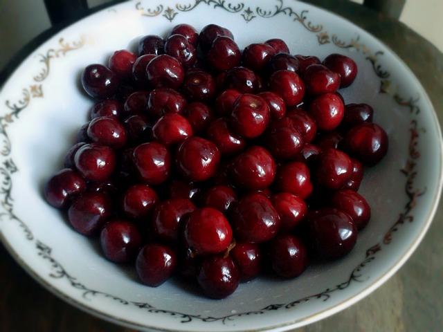 Cherry Fruit: Origins - Consumption - Nutrition Facts
